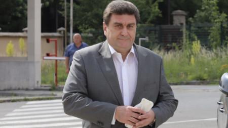 Валентин Златев се насочва към Специализираната прокуратурата за разпит като свидетел.