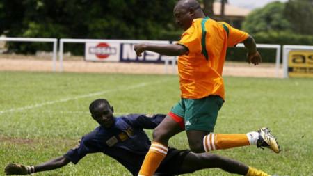 Бурунди е от малкото места, където все още се играе футбол
