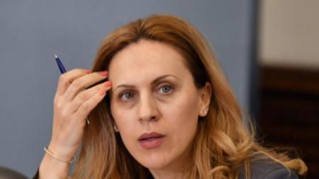 Маријана Николова