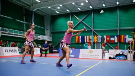 Габриела (в дясно) и Стефани Стоеви спечелиха в 3 гейма.