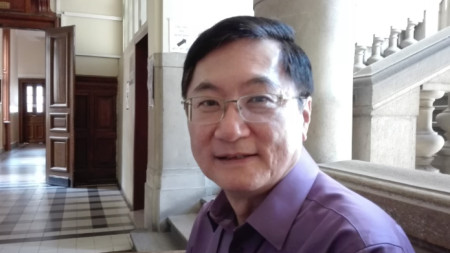 Проф. Ерик Уонг