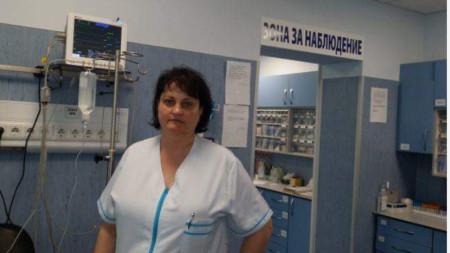 Д-р Ана Николова
