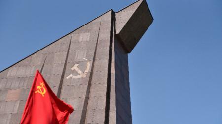Мемориал в памет дадените от съветската армия жертви в Берлин.