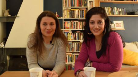 Елисавета Белобрадова (вляво)