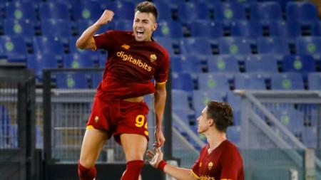 Стефан Ел Шарауи ликува, след като отбеляза втория гол във вратата на ЦСКА София