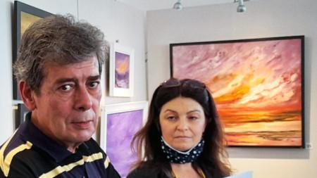 На снимката: Едуардо Диез и Ирена Енчева - преводач, ДКИ КЦ