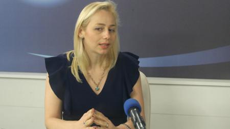 Офелия Кънева