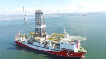 Турски сондажен кораб