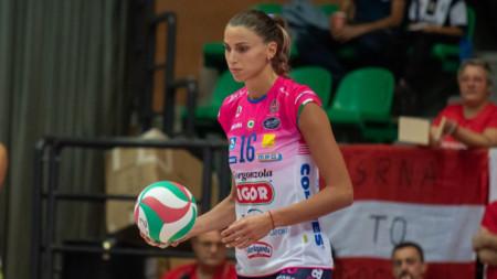 Елица Василева отбеляза 11 точки.