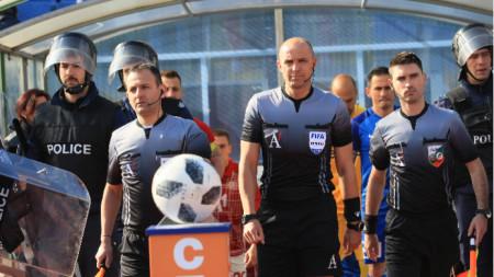 Станислав Тодоров ще даде началото на новия футболен шампионат в петък.