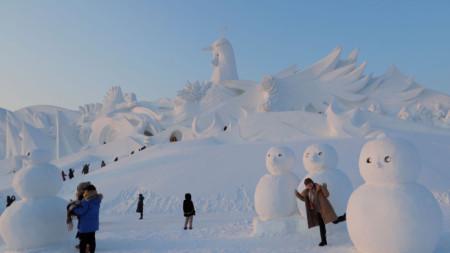 Фестивал на ледените и снежни скулптури в Харбин
