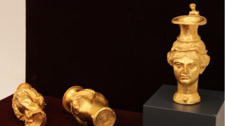 Части от Панагюрското златно съкровище