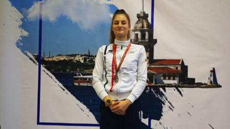 Емма Нейкова
