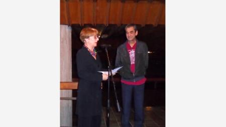 Копринка Червенкова и директорът на театъра във Враца Анастас Попдимитров.