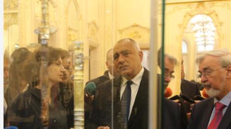 Премиерът Борисов и генералната директорка на ЮНЕСКО Одри Азуле разгледаха меча на хан Кубрат