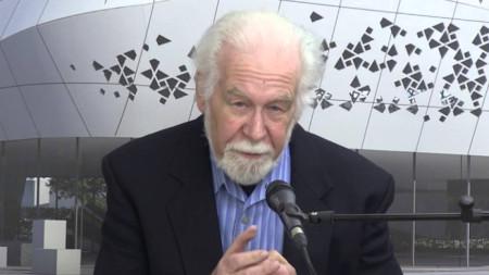 Джордж Джофе - професор от университета Кеймбридж