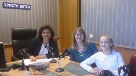 Керана Христова, Анджела Родел, Нина Цанева (от дясно наляво)