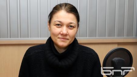 Петя Накова