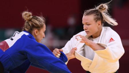 Ивелина Илиева (вляво) отпадна на осминафинал.