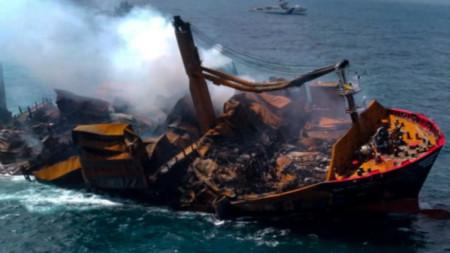 MV X-Press Pearl потъва край Шри Ланка