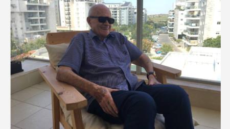 Роденият във Видин Мордехай Бар Акива сега живее в град Нес Циона в Израел.
