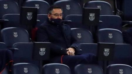 Бартомеу няма да гледа мача на Барса с Ференцварош.