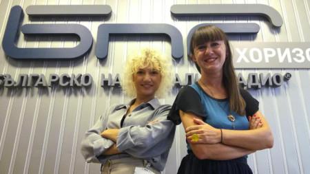 Мартина Стефанова (вляво) с водещата Валерия Николова
