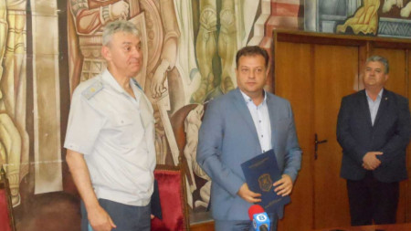 Бюст на Христо Ботев ще бъде монтиран върху двуметров мраморен постамент в центъра на Велико Търново и официално открит на 2 юни.