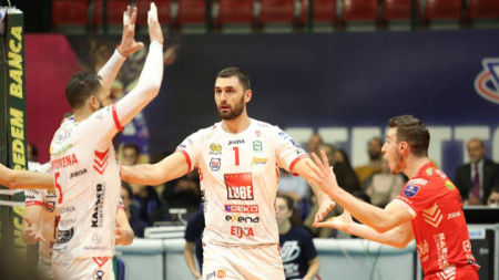 Цветан Соколов отбеляза 9 точки.