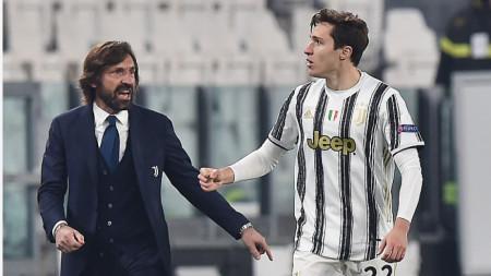 Пирло поздравява Киеза за първия гол за Юве, но в края Порто ликуваше.