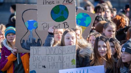 Протест на ученици в Берлин срещу бездействието на политиците по климатичните промени.