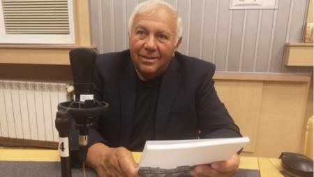 Васил Николов