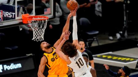 Юта (в жълти екипи) има вече 35 победи в 46 мача в НБА.