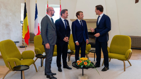 Идеята бе обсъдена на среща на лидерите на Белгия, Люксембург, Франция и Холандия.