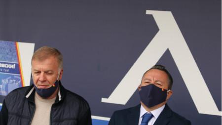 Славиша Стоянович (вдясно) още не мисли за нови играчи.