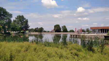 Езерото в село Севар