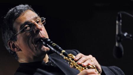 Прочит на Шуберт с кларинета на Габриеле Мирабаси