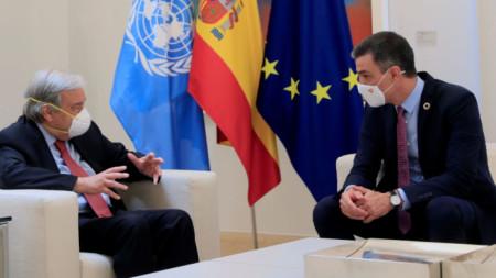 Антониу Гутериш и Педро Санчес