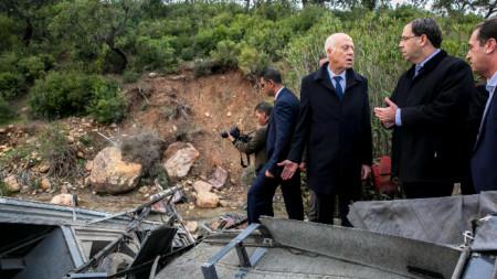 Броят на жертвите на катастрофата в Тунис достигна 26 души