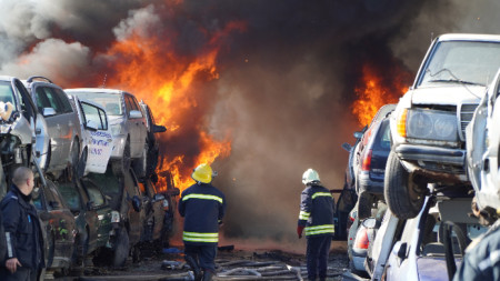 80 автомобила изгоряха в автоморга в Хасково
