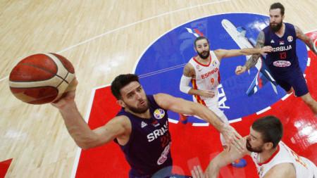 Испания и Сърбия си осигуриха класиране за следващата фаза