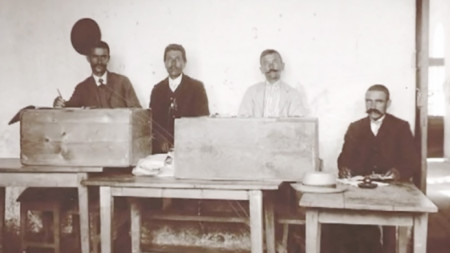 Polling station in the 1920s