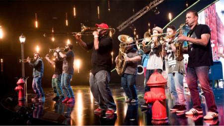 Музикантите от Brazz_ViliDJ са канени и на големи сцени. Тази вечер свирят в бар, близо до