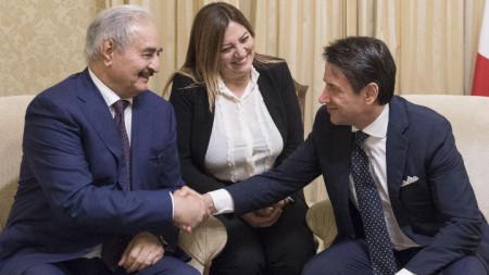 Халифа Хафтар разговаря с италианския премиер Джузепе Конте