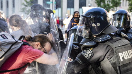 Сблъсъците във Вашингтон, при които от действията на американски полицаи пострадаха и австралийски журналисти.