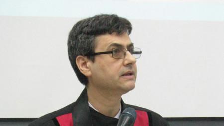 проф. д-р Славчо Томов