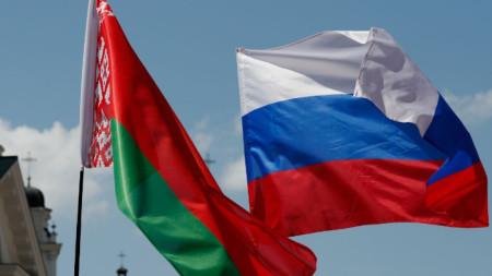 Знамената на Беларус и Русия се веят в Деня на многонационална Русия в Минск на 8 юни 2019-а, но въпреки близките отношения двете страни периодично имат търговски спорове.
