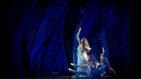 Фрагмент от спектакъла