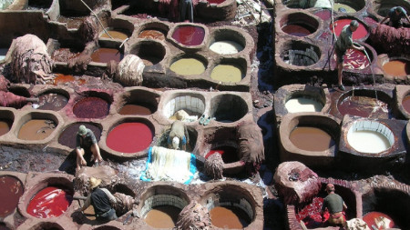Фес ел Бали, градчето в Мароко, където боядисват кожи както преди векове