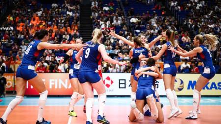 Волейболистките на Сърбия са в еуфория след последната точка в мача с Холандия.